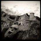 Souche sculpt?e, ? Rennes les Bains, dans l'Aude, Decembre 2005. Camera : Great Wall 6x6 - Fuji Reala 100 Max. Print Size : 7300x7300 pixels (73x73 cm.) Author : Pascal Labrouill?re   Views: 867 Date: 03.12.05 450x450 (42.8 KB)