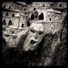 Souche sculpt?e, ? Rennes les Bains, dans l'Aude, Decembre 2005. Camera : Great Wall 6x6 - Fuji Reala 100 Max. Print Size : 7300x7300 pixels (73x73 cm.) Author : Pascal Labrouill?re  Views: 2047 Date: 03.12.05 450x450 (65.4 KB)